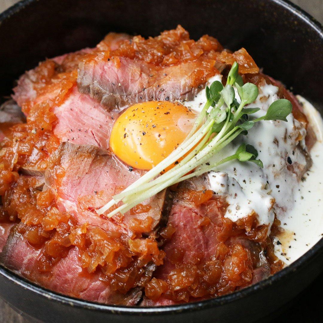炊飯器でしっとりやわらか✨ローストビーフ丼 😋