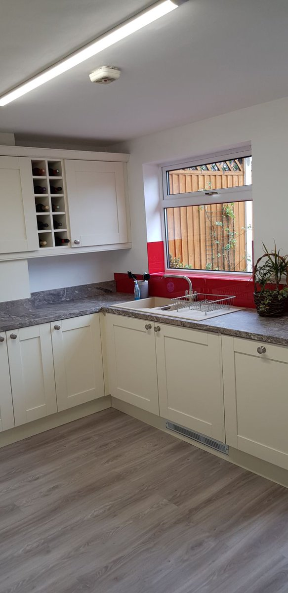 @kcare_stafford Designed Supplied Installed Check out this newly fitted @Kitchen_Stori Madison Painted Ivory Kitchen & Utility & jaw dropping red glass looks stunning. 😍📸😍 All completed with @SiemensHomeUK Appliances. @duropal_hpl #kitchens #paintedkitchens