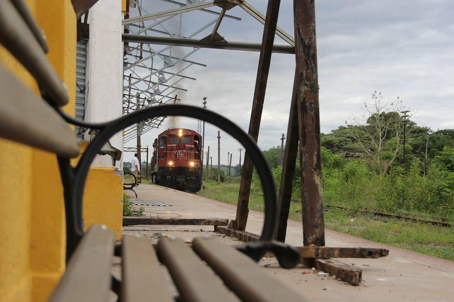 >@EstadaoEconomia Abastecida por trem, Bauru não fica sem gasolina e diesel https://t.co/x7cbGOFhU3