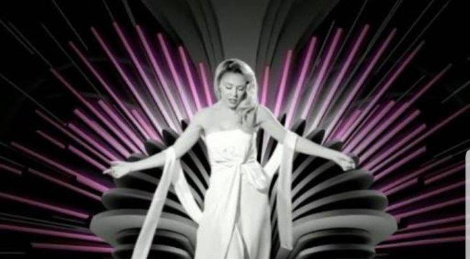 Happy birthday Kylie Minogue. She\s the one. I love her, I love her, I love her, I love her.