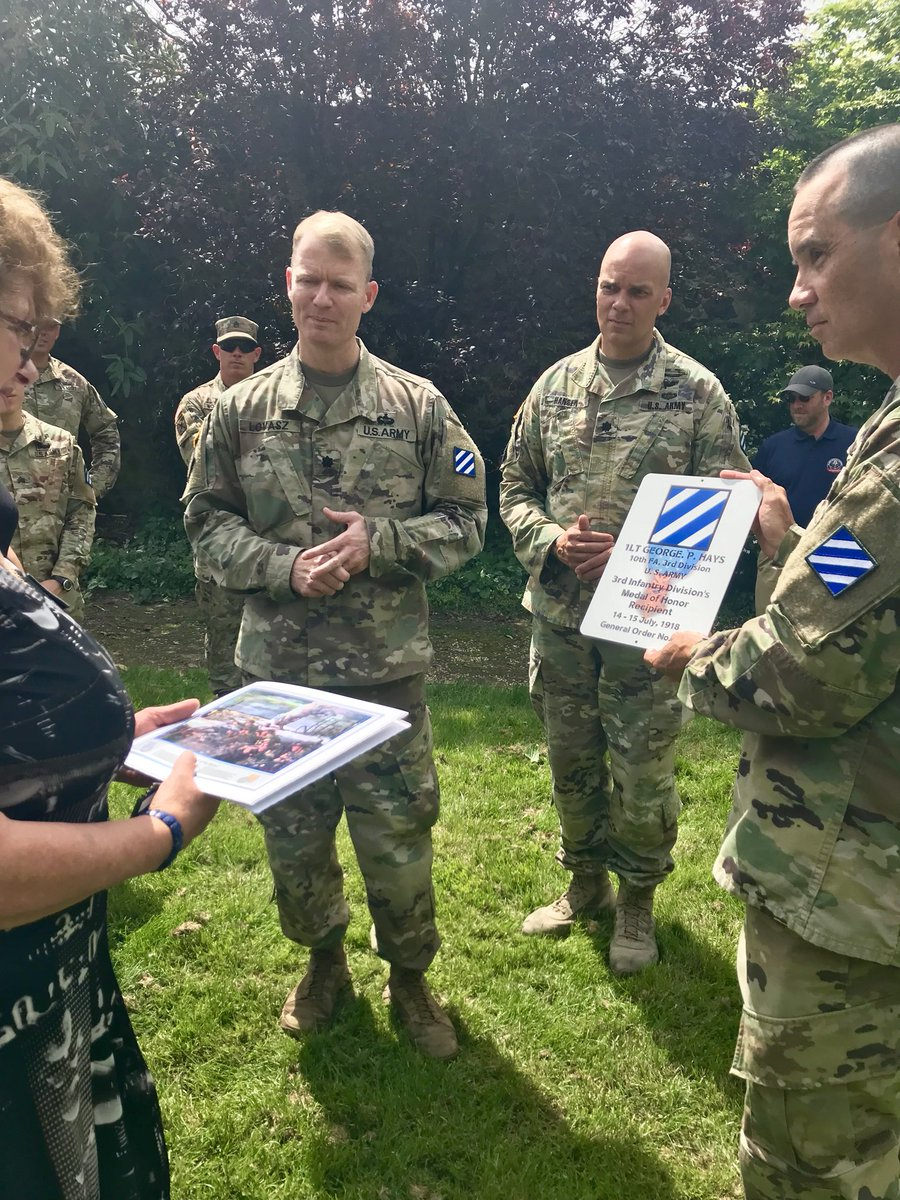 #WeRemember We visit Greaves Farm in the Surmelin Valley, where Lt. George P. Hays earned his Medal of Honor.   The division command team presented the home owner Marie-Claire Balligand with a plaque to note the homes historic importance to the Marne Division.   #WWI100 #ROTM<br>http://pic.twitter.com/Sh9yjEcCDQ