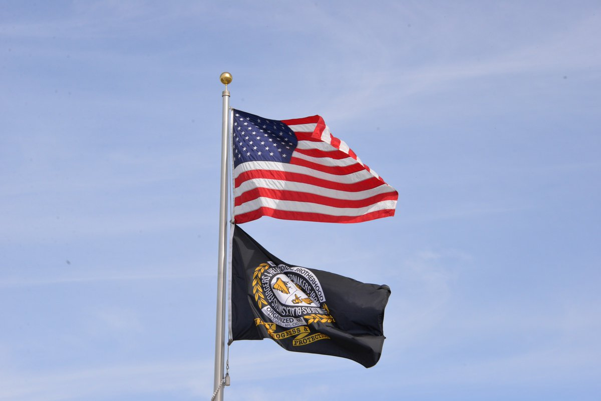 As the U.S. celebrates Memorial Day, the International Brotherhood of #Boilermakers pauses to remember those who gave the ultimate sacrifice serving our nation. Thank you to those who serve or have served as a member of the armed forces, & thank you to our @H2Hjobfairs partners. <br>http://pic.twitter.com/rhkfJ8tA1G