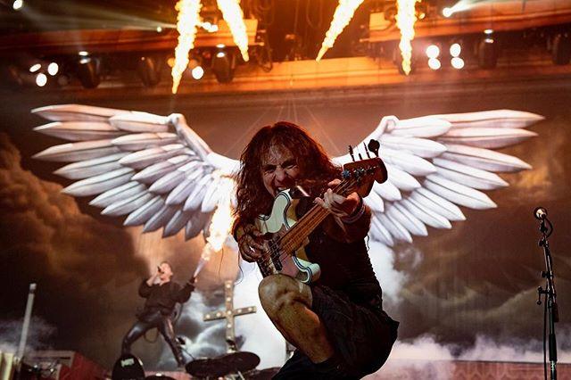 Iron Maiden - Página 7 DeUP1fNW0AQCmqq