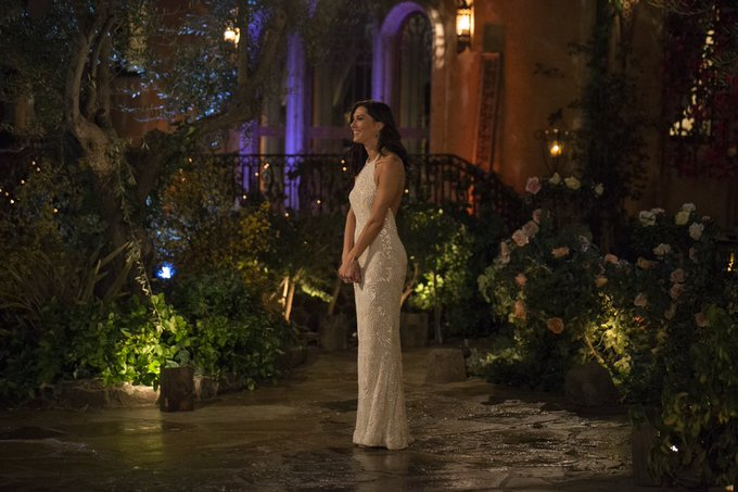 Bachelorette 14 - Becca Kufrin - Episode 1 - May 28th - *Sleuthing Spoilers* - Page 3 DeUpVa-V0AAkN4X