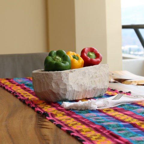 Los caminos de mesa guatemaltecos le darán toques frescos a tu hogar.  #Cortitelas #LoMejorenTelas #FashionHonduras #ImaginaTodoloquePuedesCrear #Crealo #Diseñalo #Imagínalo