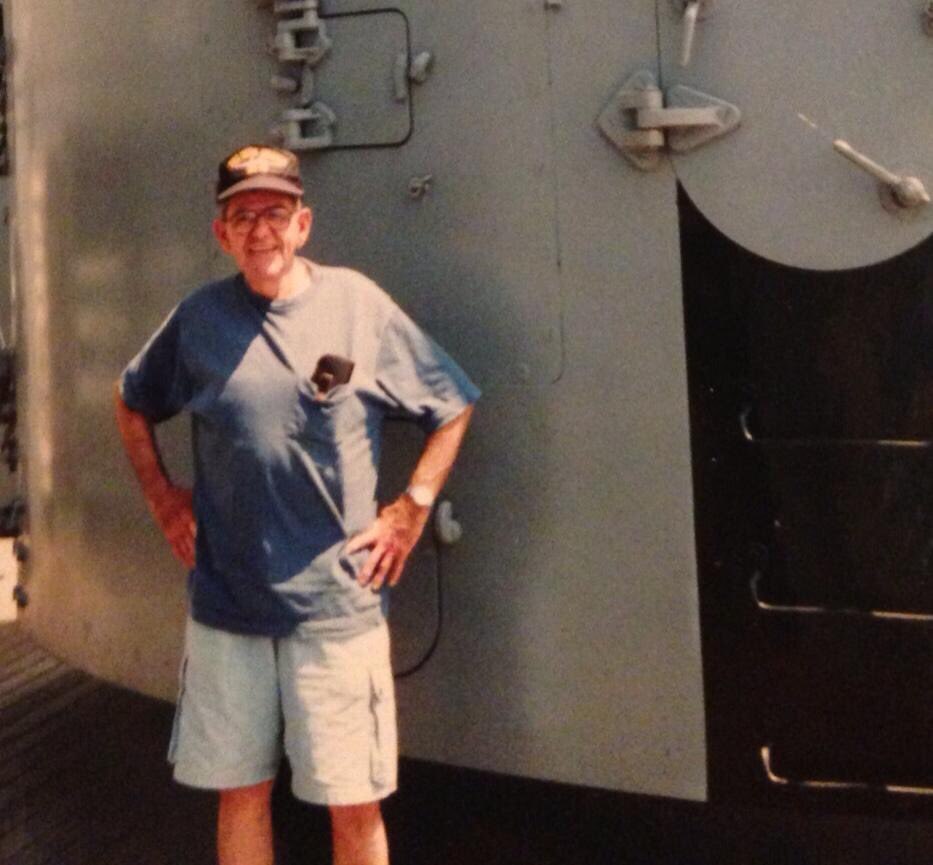 Us Navy On Twitter This Memorialday Watch And Listen As Andrew Smith Bermuda Shorts 38 He Was A Gunners Mate 2 5x38 Antiaircraft Gun Until The Day Passed Away His Bb48 West Virginia Cap Head