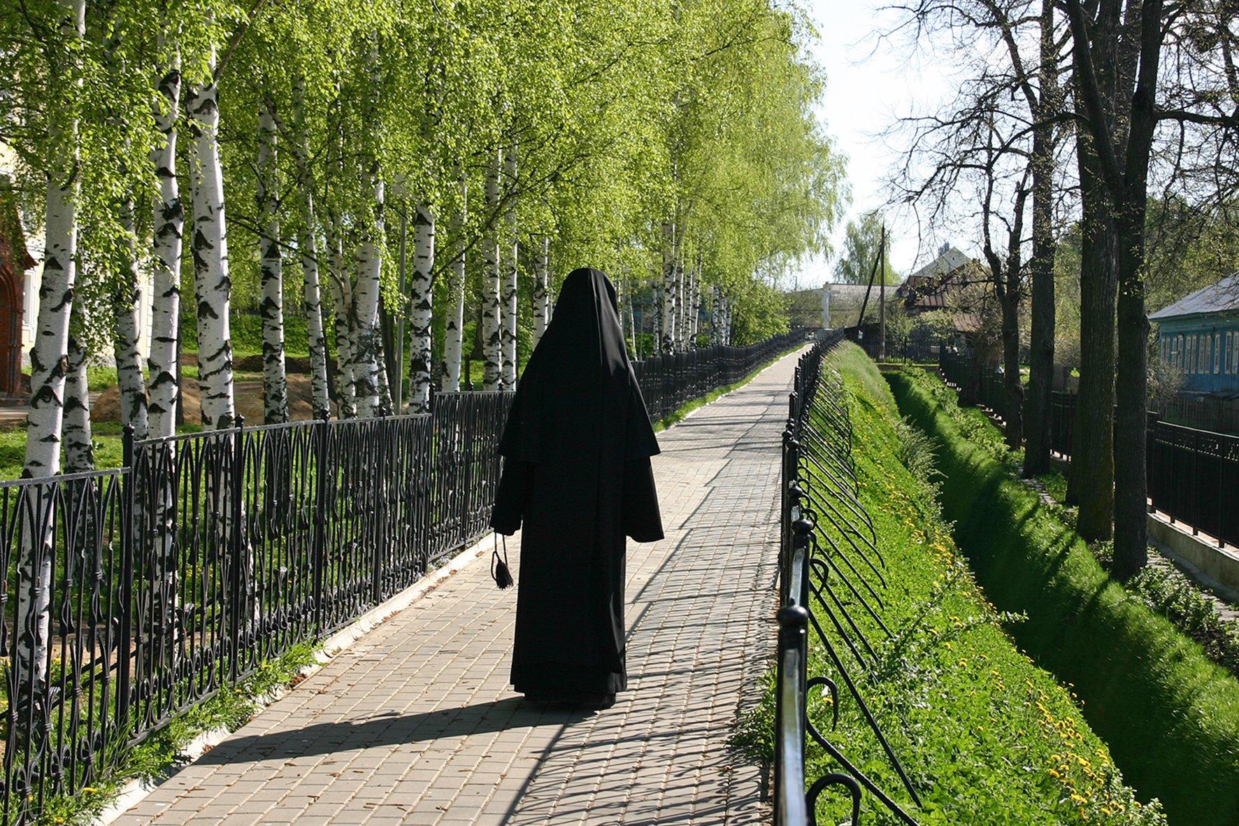 Дивеево монастырь фото богородица идет