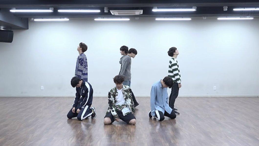 #МУЗНовости Повторяй танец за BTS 😱💥🔥 https://t.co/zlISItXNnf