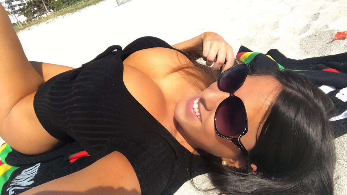 Twitter Claudia Romani nudes (72 foto and video), Pussy, Is a cute, Feet, cameltoe 2017