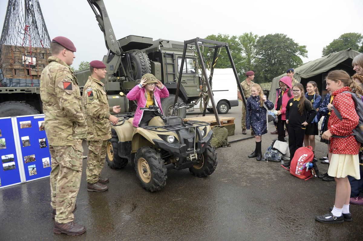 #Airborne suppliers of 13 Air Assault Support Regiment RLC show off their equipment during @RMASandhurst event to showcase Army's science, technology, engineering and maths capabilities to 900 girls aged 11-15 #STEM #YofE