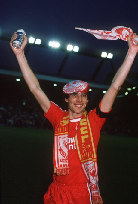 620 games 16 winners medals  Happy birthday to you, Alan Hansen!