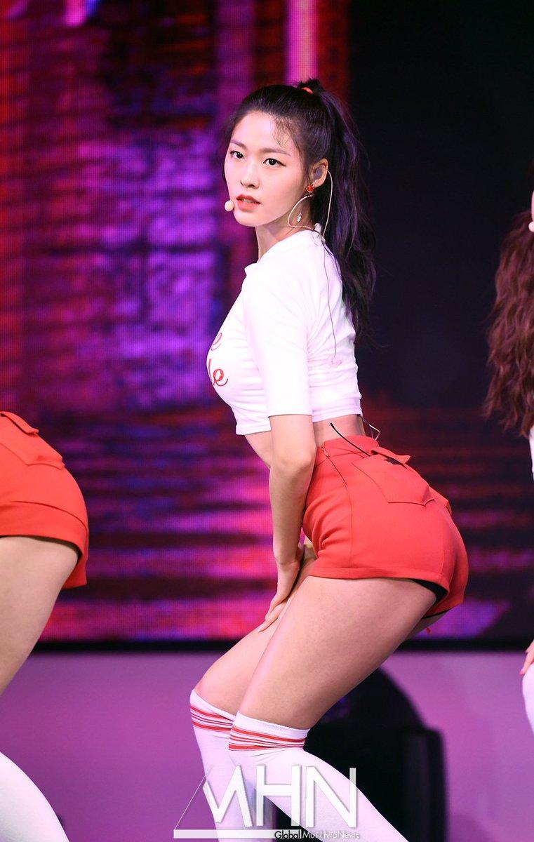 seolhyun ass