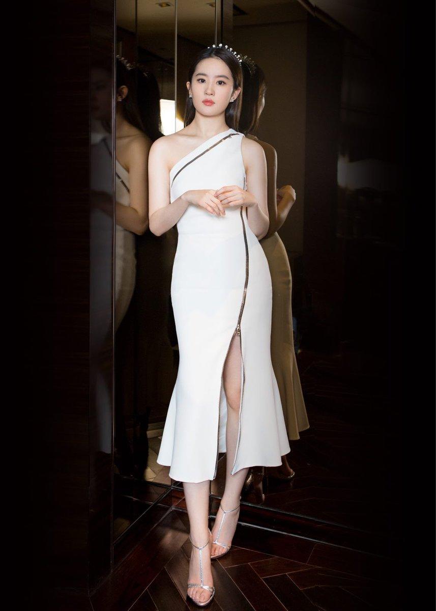 リウ・イーフェイの美しい画像