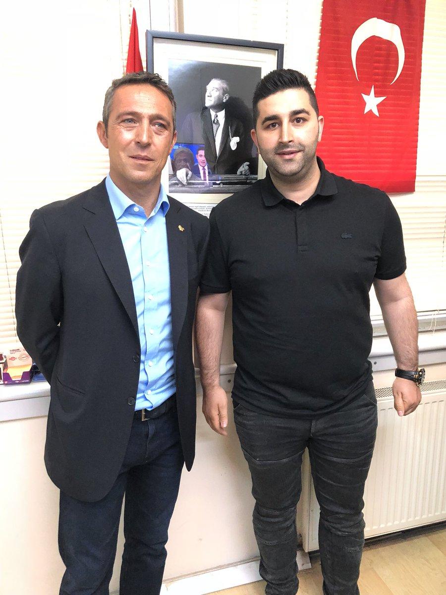 """Sercan Hamzaoğlu в Twitter: """"Sayın Ali Koç gazetemizi ziyaret etti. Çok  güzel ve derin bir ropörtaj gerçekleştirdik. Yarın gazetemiz  @sporgazetesiamk olacak.… https://t.co/RXzrDvoLSP"""""""