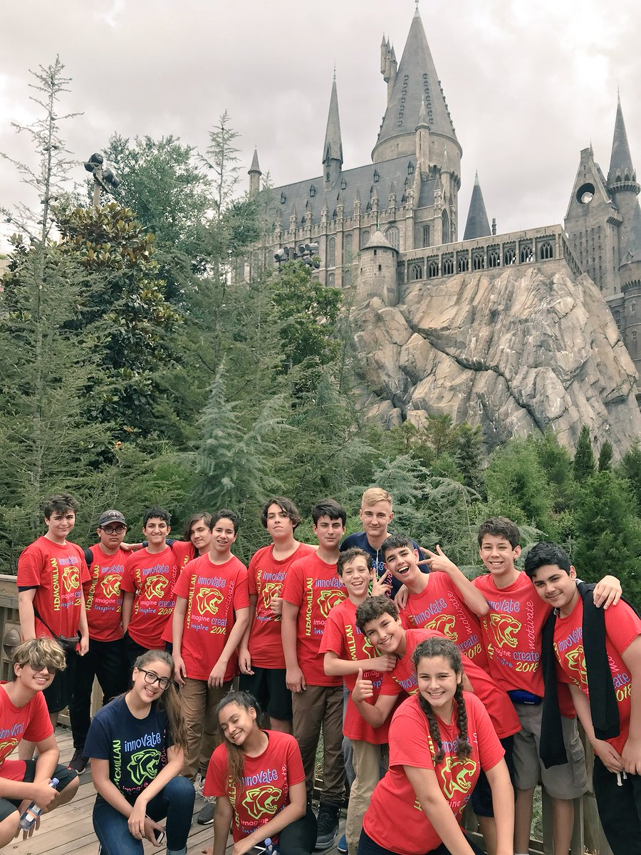 Celebrating a fantastic year with some amazing kids. I will miss them tremendously next fall. #8thGradeTrip <br>http://pic.twitter.com/Ff7h5mFtiR