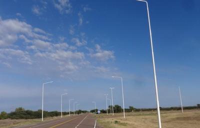 Avanzan las obras de Iluminación en intersección de rutas provinciales