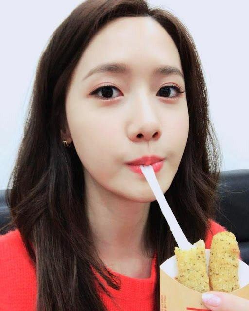 Happy Birthday to my goddess Im Yoona