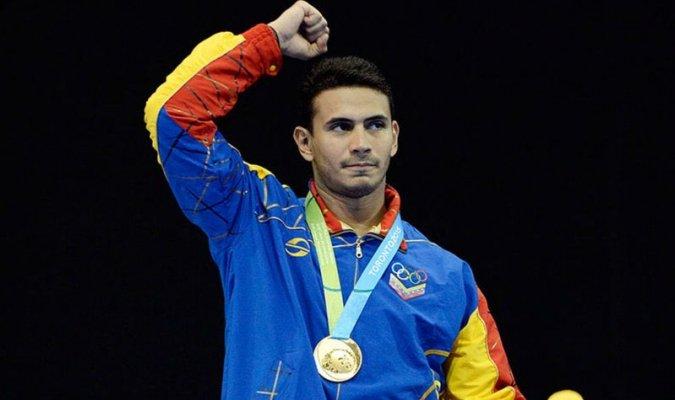 Rubén Limardo se alza con la medalla de oro en #Cochabamba https://t.co/nzUhHObpp7
