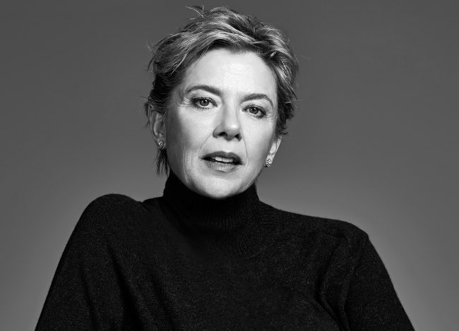 Happy birthday to a living legend Annette Bening : May 28, 1958