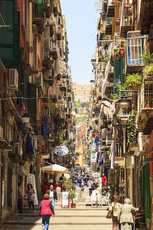 We tellen af! Vrijdag vertrekken we 3 dagen met ruim 100 ondernemers, bestuurders en partners naar Napels, Amalfikust, Sorrento en Pompeï. #CultuurenBusiness #exclusief #netwerk https://t.co/hy7eHqQ2hk