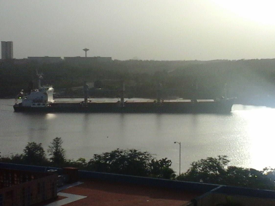 Barco Destint varado en Cienfuegos