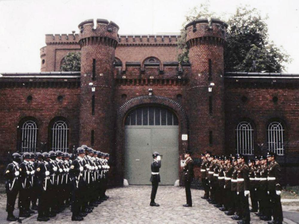 George Smedley who was the British governor of Spandau prison that jailed Hitler's Deputy Fuhrer, has died at 98 https://t.co/5HcXWUWd8R