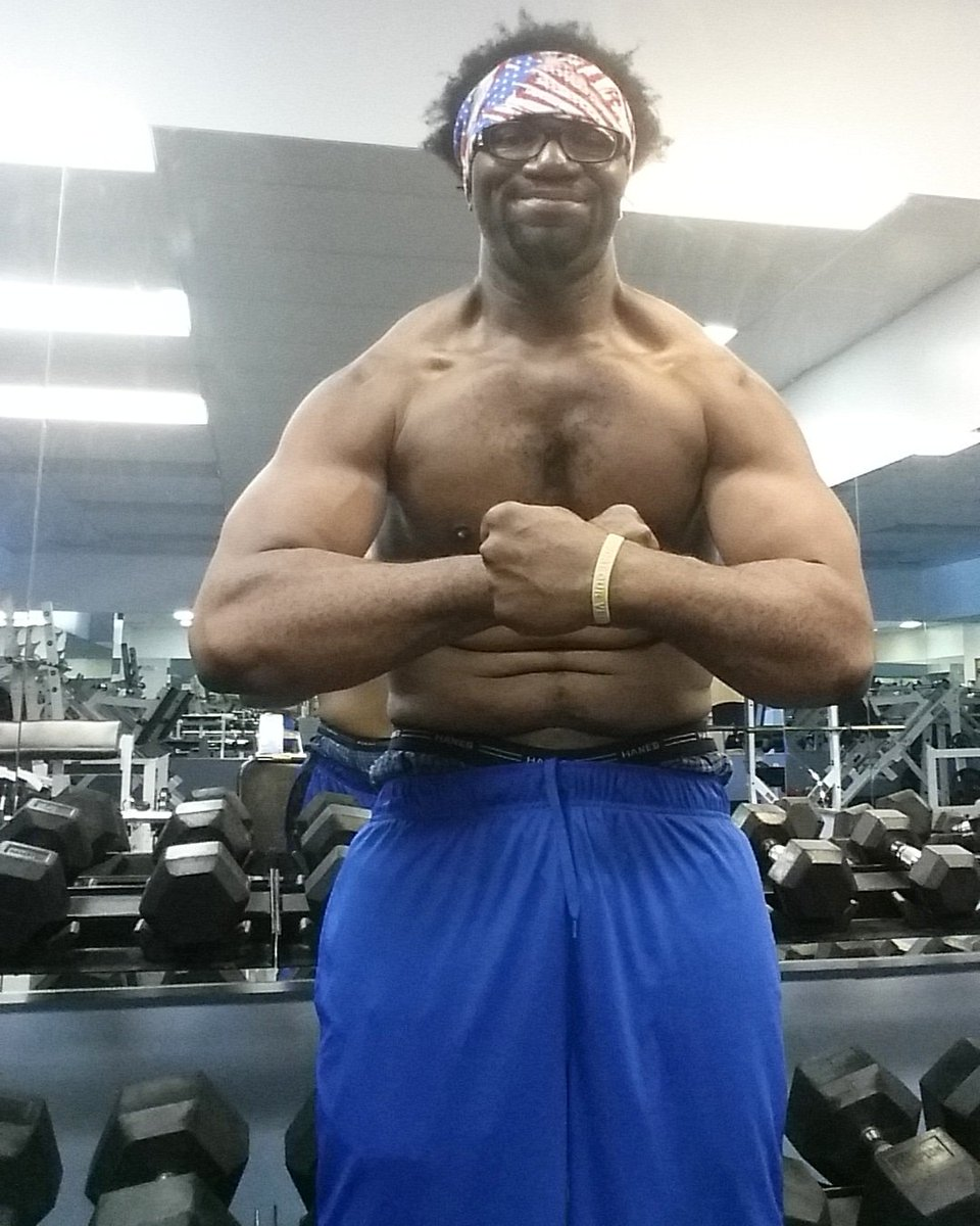 Go to the gym. ...it keeps you from the doctors office. ...yall don't hear me thopic.twitter.com/o0tsnwspuH