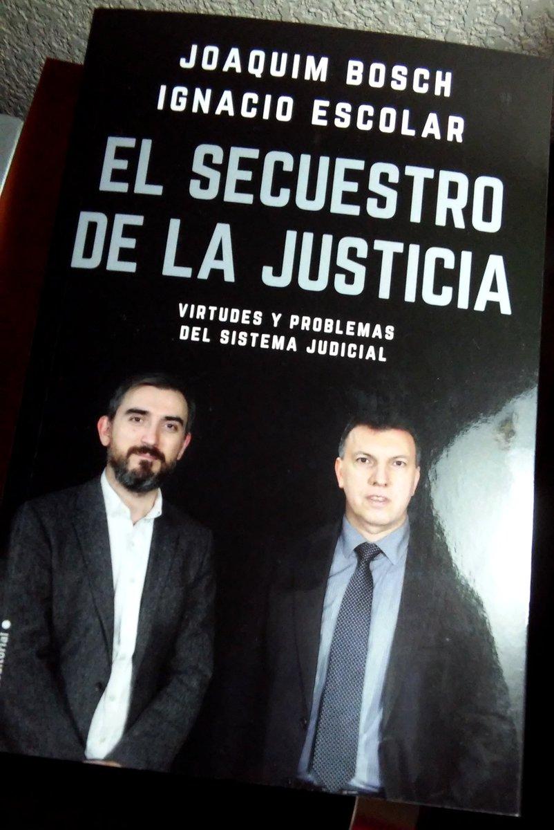 @JoaquimBoschGra Enhorabuena por el libro. Para leerlo mas de una vez.
