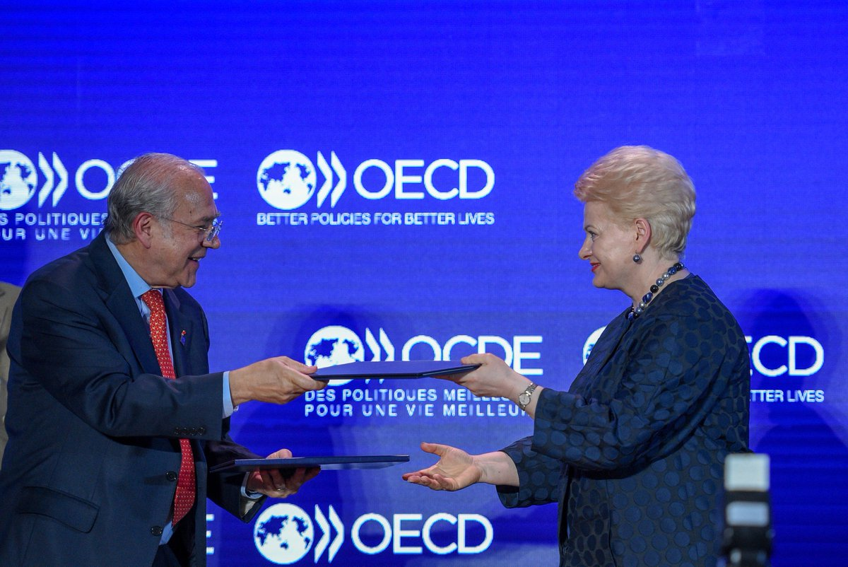 Signed! #Lithuania joins the #OECD Convention to become the 36th member!