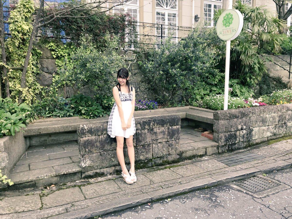 吉田莉桜ジャンプ 笑皆さん、ぜひヤングジャンプを買ってみてください!!! #ヤングジャンプ http://youngjump.jp/#lg=1875_2&slide=0  …pic.twitter.com/ajz6TY3PJq