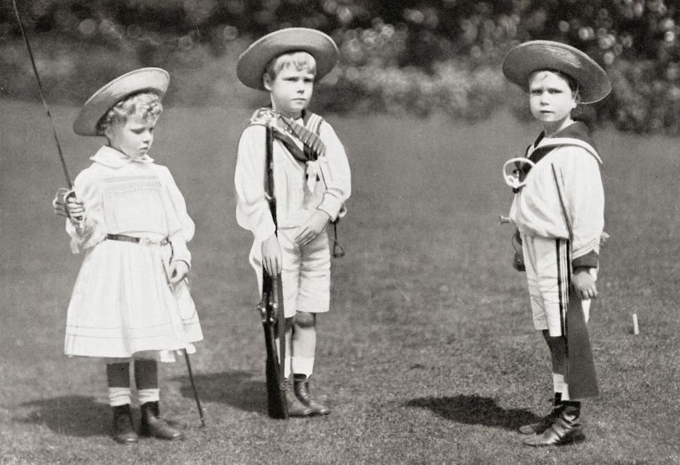 "Prince George on Twitter: ""23 of 32 of History Royal Babies in Photos -  PRINCESS MARY, PRINCE EDWARD (LATER KING EDWARD VIII), AND PRINCE ALBERT  (LATER KING GEORGE VI) 1901 #PrincessMary #PrinceEdward #"