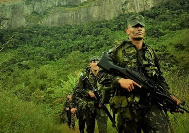 4cde4750d48fd Equipe da 12ª brigada de infantaria leve (aeromóvel) representa o exército  brasileiro em competição internacional de patrulhas no chile