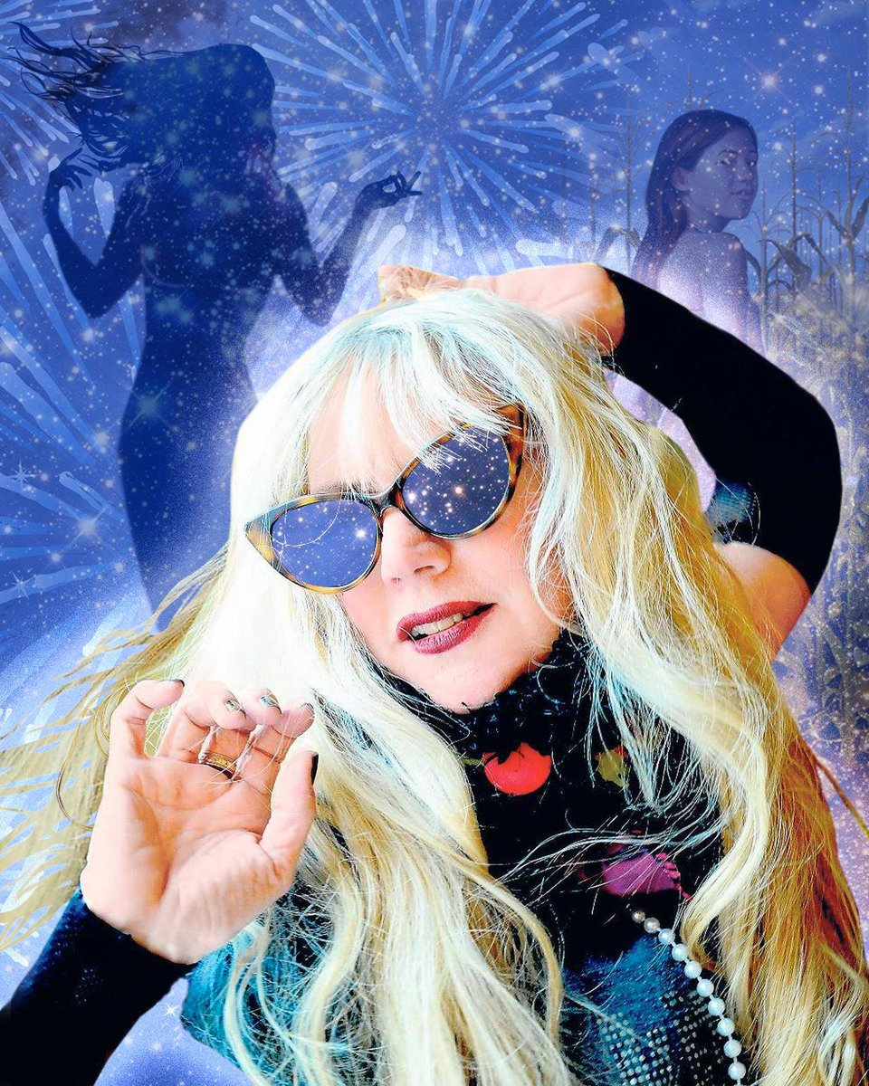 Phoebe Legere Phoebe Legere new photo