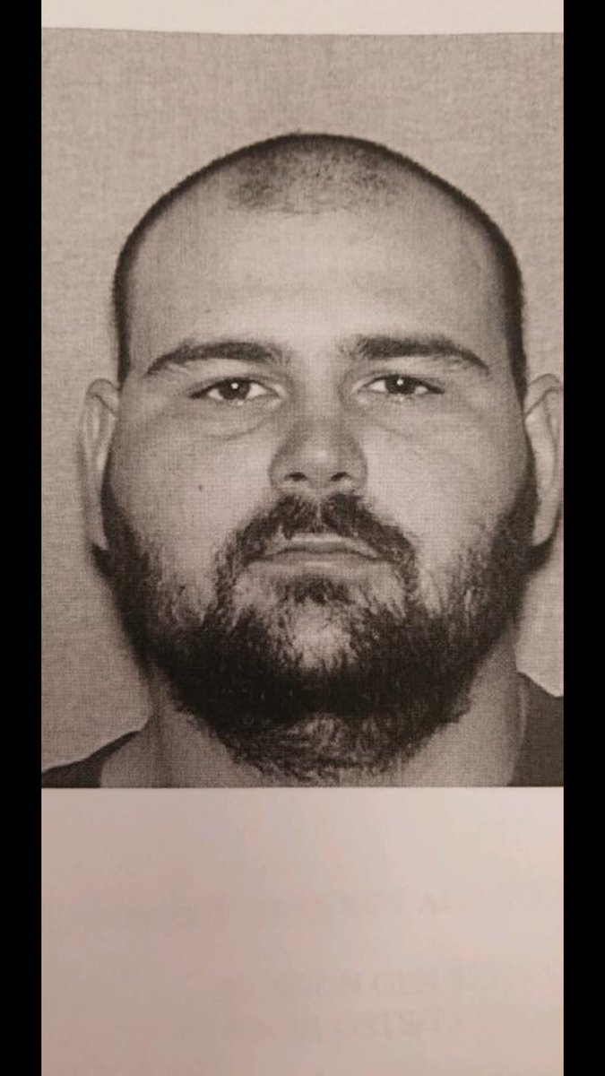BREAKING PHOTO: Steven Wiggins wanted in deadly shooting of Dickson County deputy. Please RT to help find this suspect