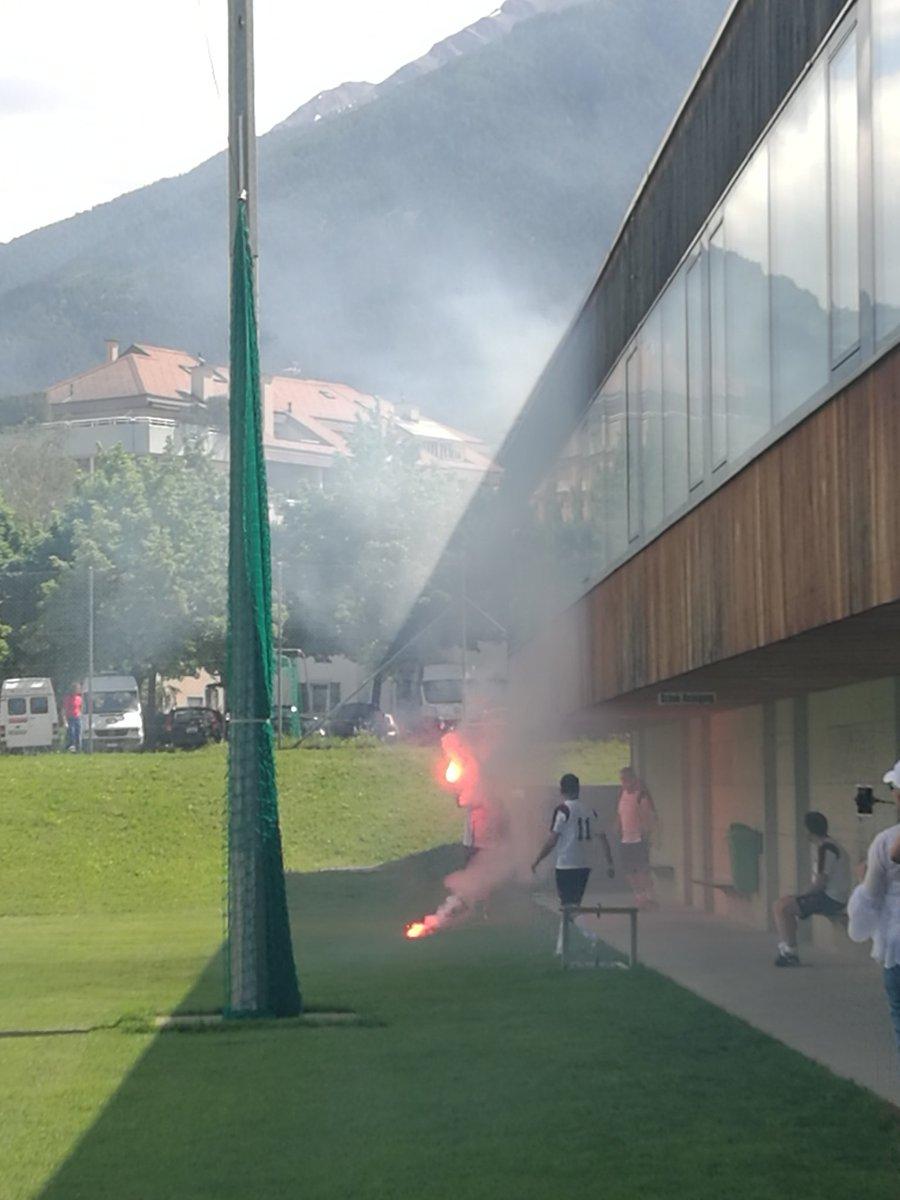 so #ultras waren doch auch da? ist das noch fussball?