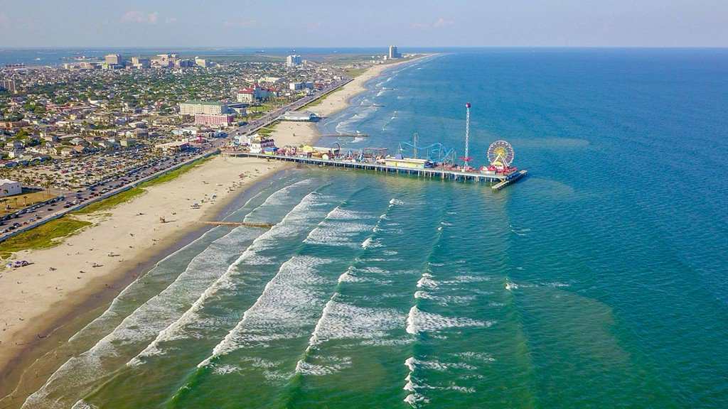 Aerial photos of incredible blue, clear water in Galveston https://t.co/qbTnk5F1ub