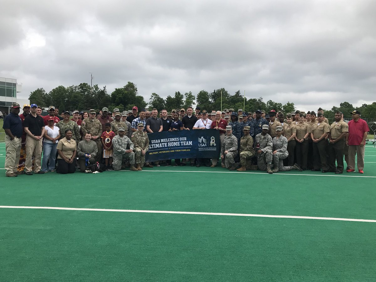 Today the @Redskins hosted service members at #Redskins Park as part of  #SaluteToService. The troops got a chance to watch practice and meet some  of their ...