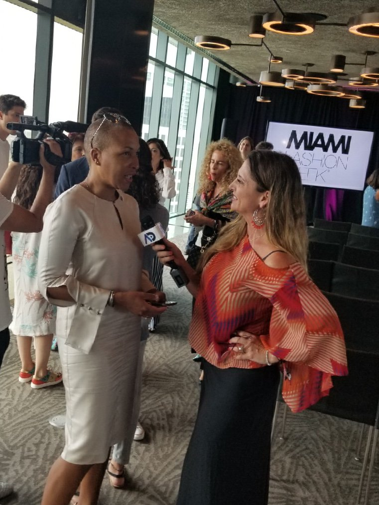 Miami Dade College On Twitter Miami Fashion Institute Chairperson Asanyah Davidson Announces That For The First Time 11 Graduates Of The Two Year Associate Program Will Show At Miamifashionwk Bemdc Mdcfashion Miafw18 Miami