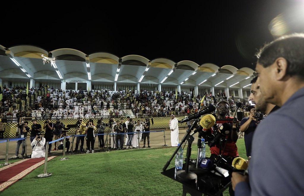 المركز الإعلامي/رئيس النادي يقدم دياز لجمهور الاتحاد^بيان+صور