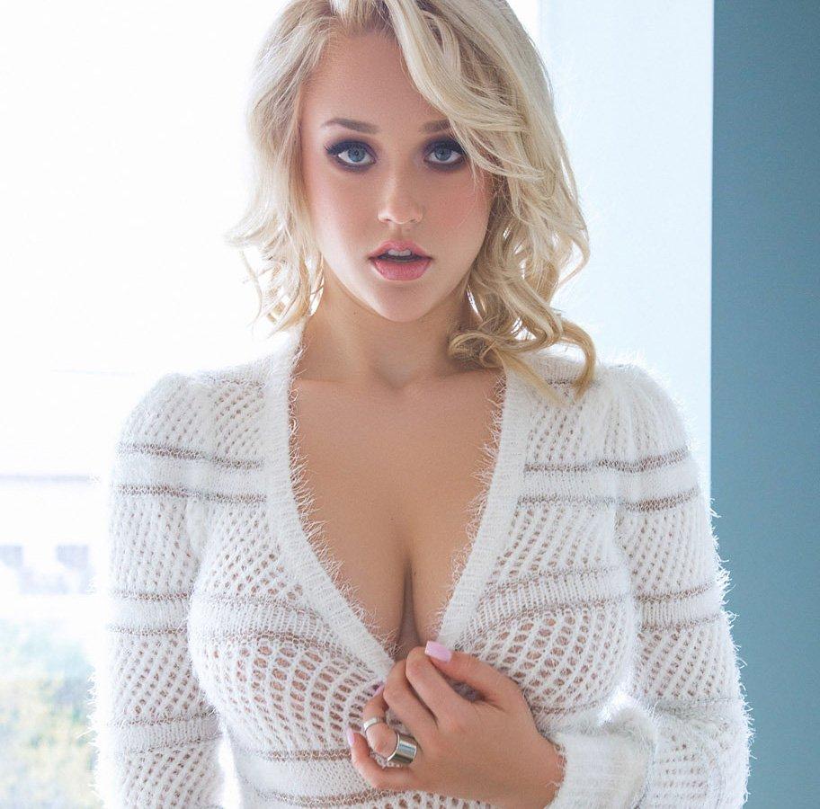 Rachel williams sweater boobs