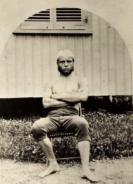 Pictured here in 1876, this college athlete would go on to become one of the most powerful men in the world. Who is it? https://t.co/X2LtQs3FoN