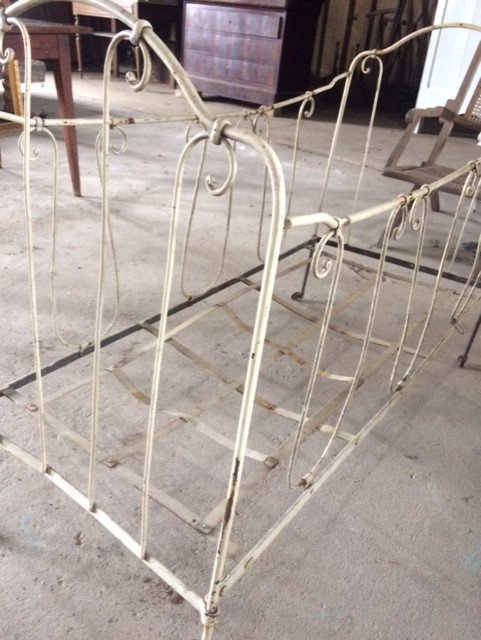 Brocante Metalen Bed.Gezellige Meuk On Twitter Oud Kinder Bed Kinderbed