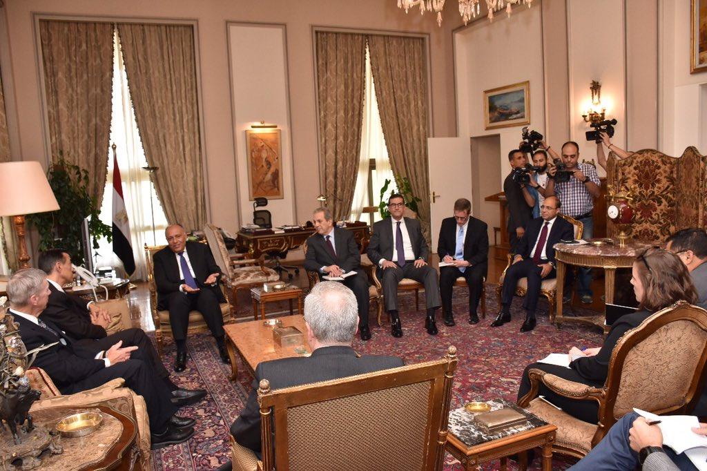 الفريق اول صدقي صبحي يلتقي وفداً من أعضاء الكونجرس الأمريكي DehvD4eW0AAfhR5