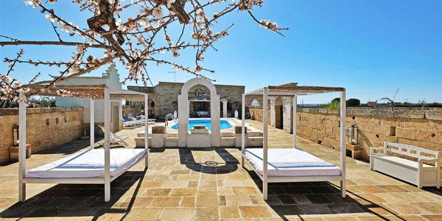 ENJOY A STAY IN THIS LUXURY VILLA IN PUGLIA Masseria Curisce is a luxury villa in Puglia with private pool available for you from Italian villa rental specialists, Bookings For You. bookingsforyou.com/holiday-rental… #travel #Italy #Puglia #beautyfromitaly #Italianholidays