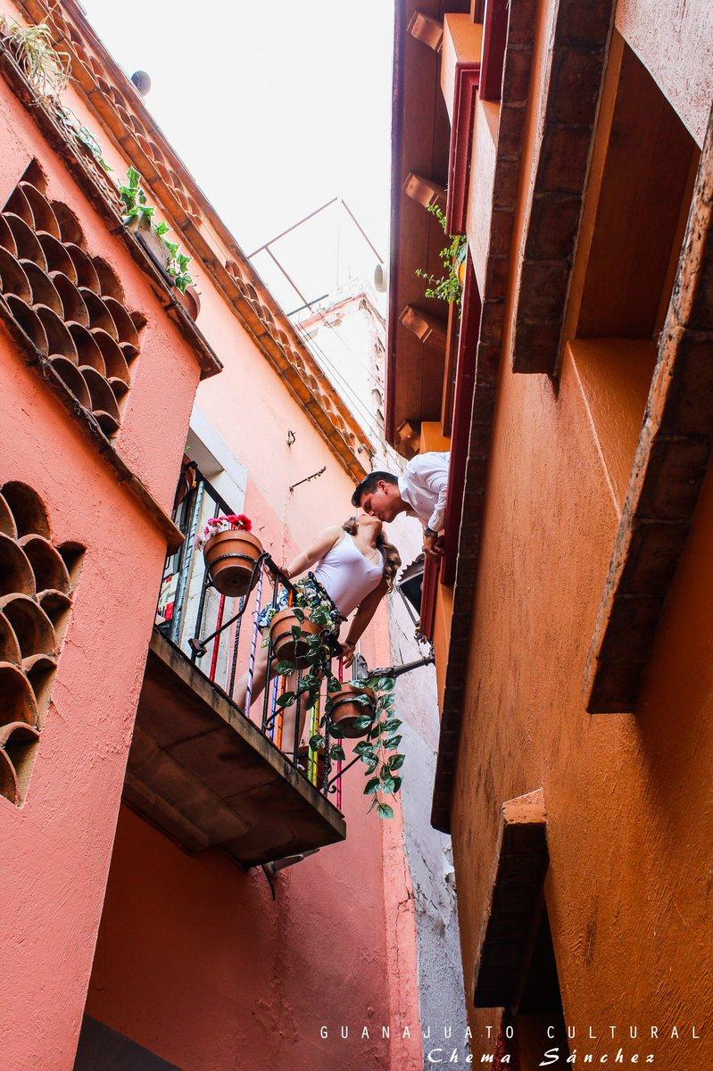 """Guanajuato Cultural MX в Twitter: """"Nada más romántico que darte un ..."""
