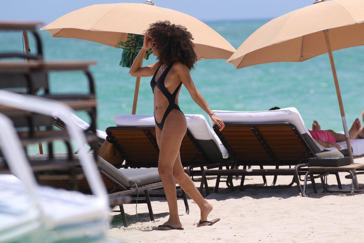 Paparazzi Leila Depina naked (28 photos), Twitter