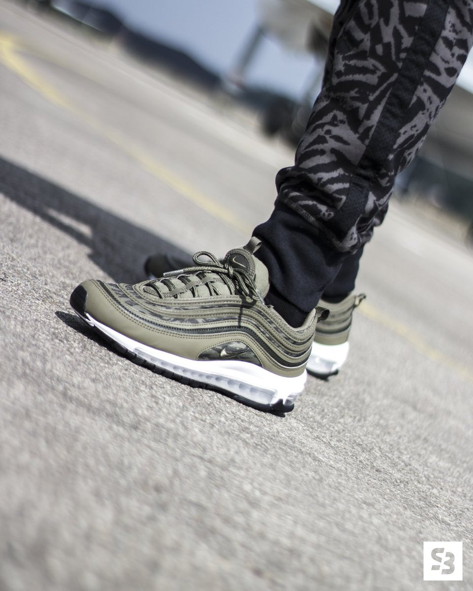 Nike Air Max 97 White & Wolf Grey 921826 101 Shoe