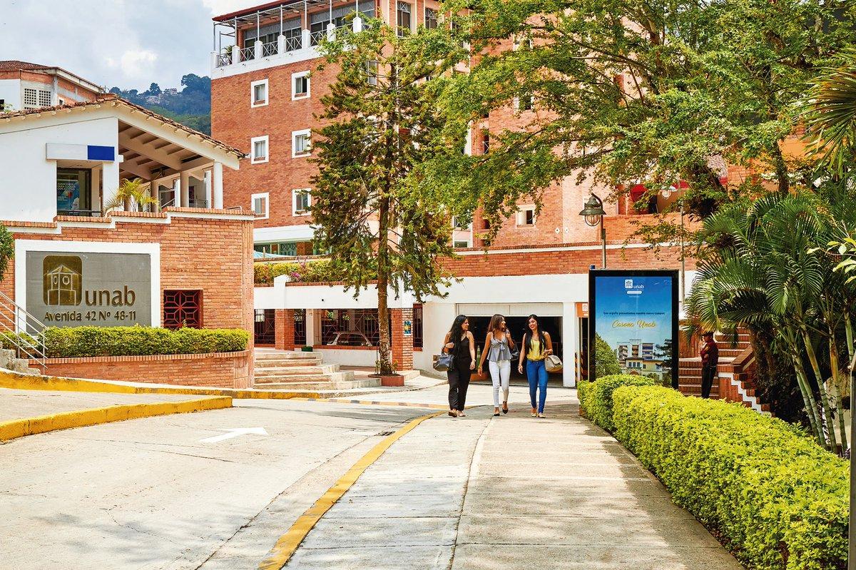 Programas de la UNAB se destacan en ranking académico de la Revista Dinero