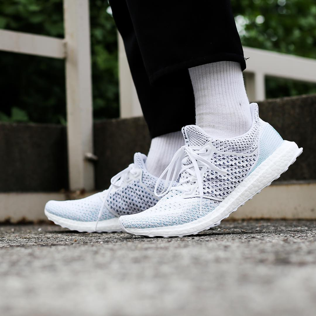 b3838f5c8b2 ... with Parley for the Oceans for  270.  http   kicksdeals.ca release-dates 2018 adidas-x-parley-ultra-boost-clima- ltd-white  …pic.twitter.com 29871dTRvb