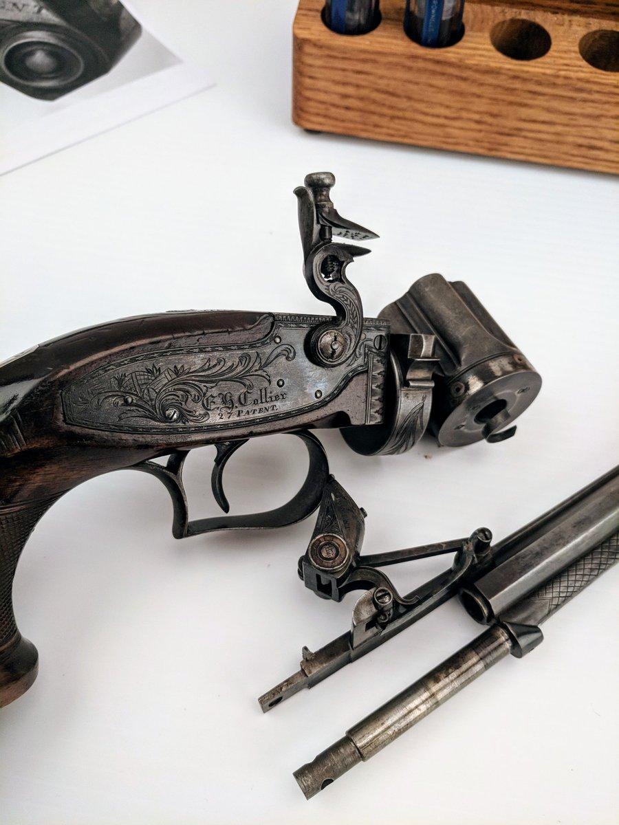 кремниевый револьвер коллиера фото преимущественно